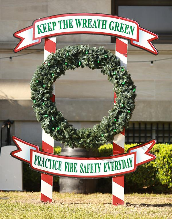 Keep the Wreath Green wreath